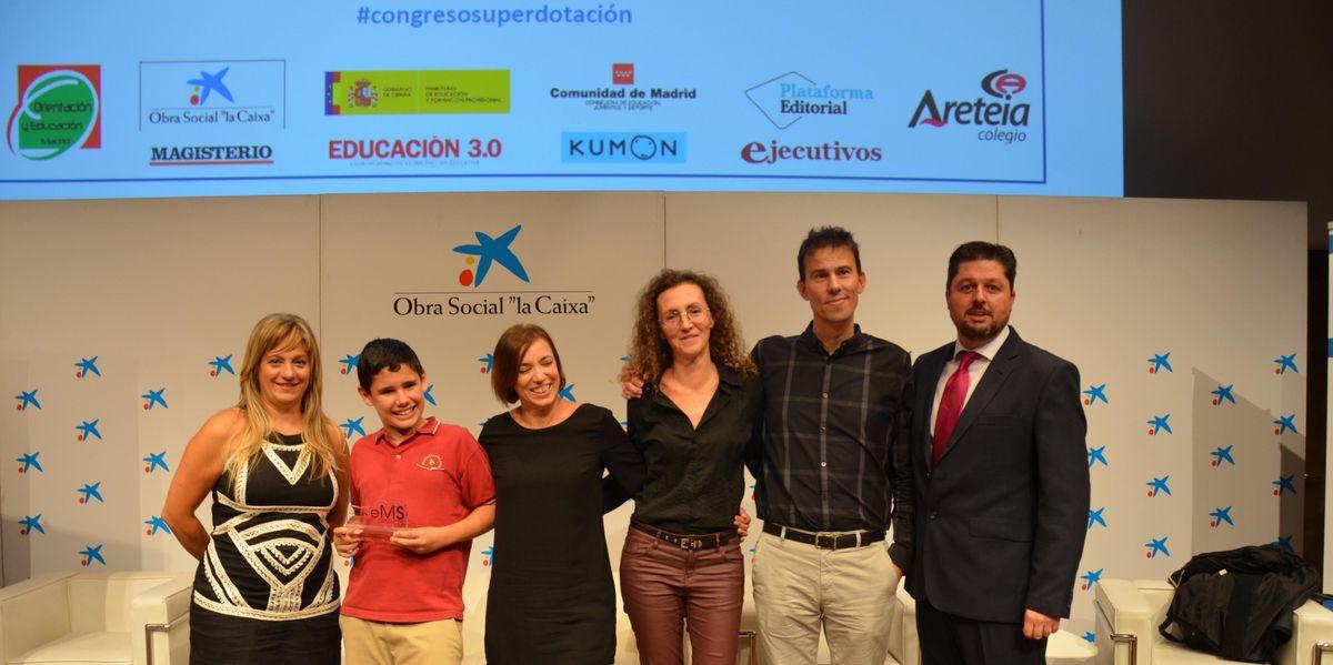 Recogida del Primer Premio de la Fundación el Mundo del Superdotado a la  excelencia Educativa para Superdotados y Altas Capacidades 2018